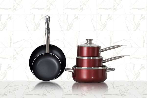 organising a kitchen pots and pans